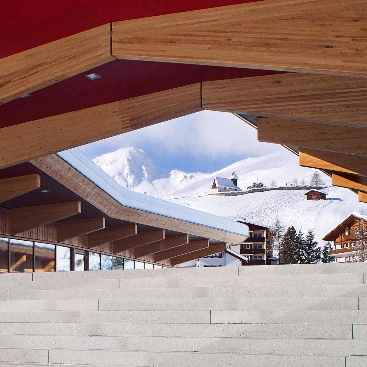 maskarade-architecture-arosa-parkgarage-innerarosa-2011-touristique-toiture-lamelle-collee-1208