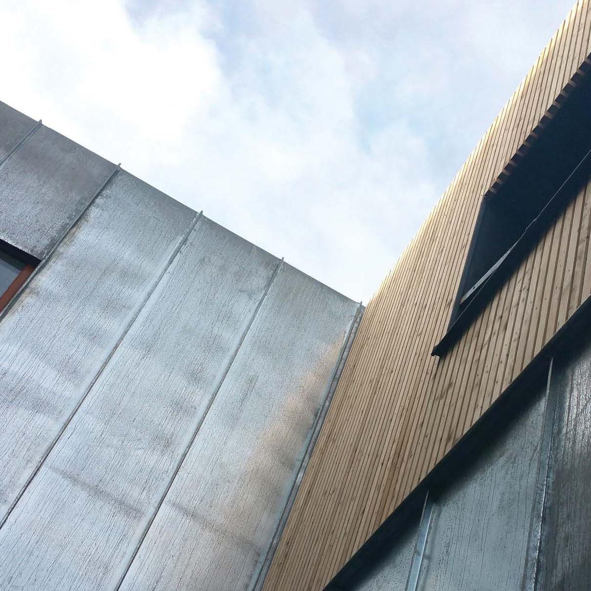 maskarade-architecture-surelevation-maison-individuelle-bois-zinc-facade