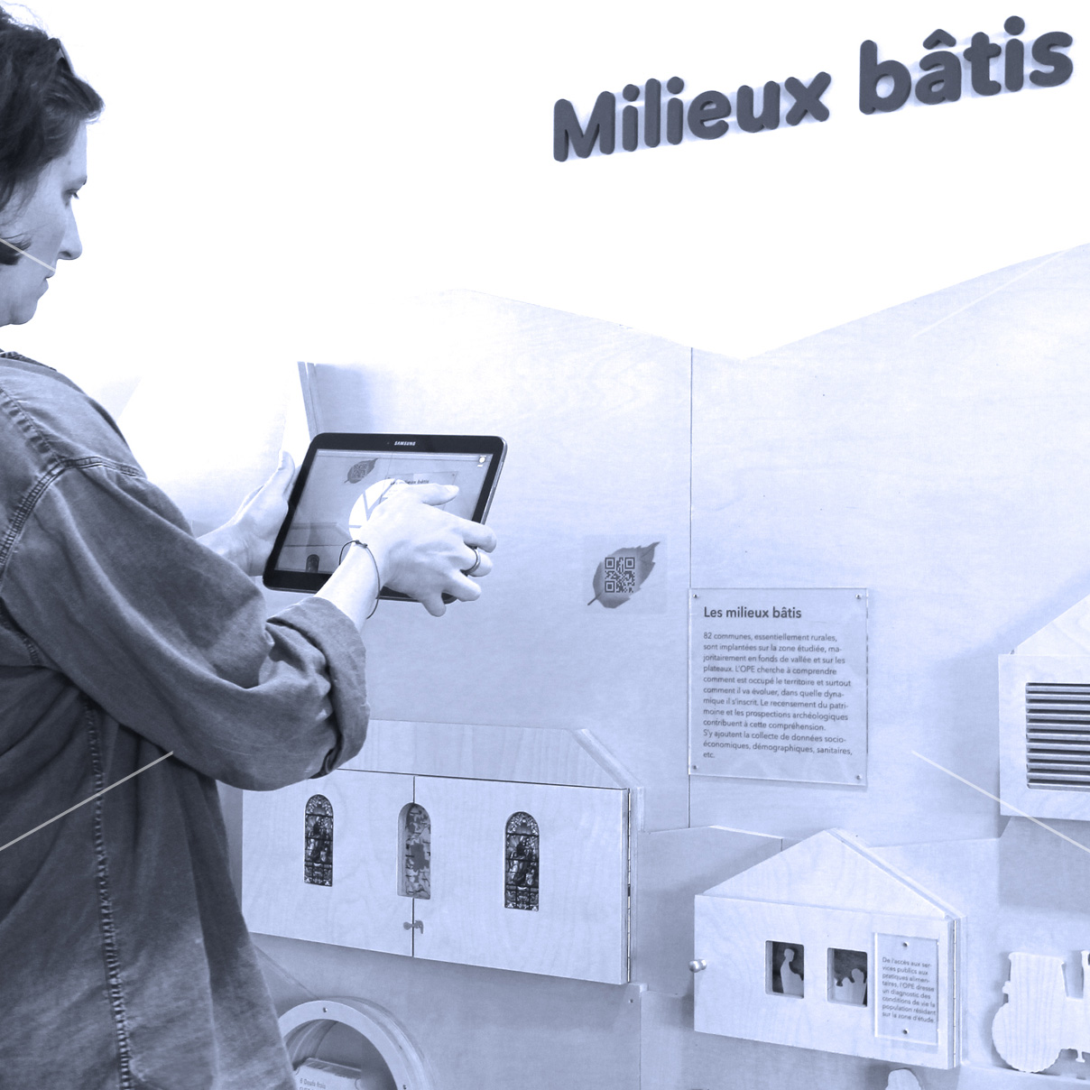 maskarade-scenographie-exposition-permanente-interactif-scientifique-tablettes
