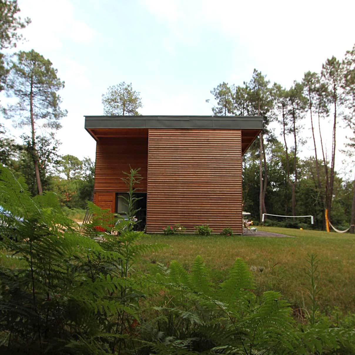 maskarade-architecture-maison-bois-vacances-bardage-meleze